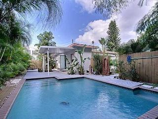 Zen House with Pool - Paradise!, Fort Lauderdale