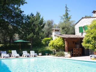 CHARMING PROVENCAL MAS: POOL & BEAUTIFUL VIEWS, Tourrettes-sur-Loup