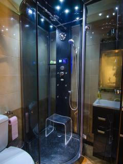 Steam Shower cabin with Hydro massage body jets