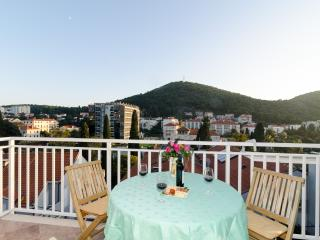 Villa Mar - One-Bedroom Apartment with Balcony