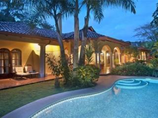4 Bedroom Villa with Private Pool in Puntarenas, Herradura