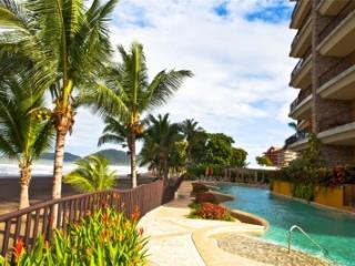 Remarkable 5 Bedroom Oceanfront Villa in Jaco