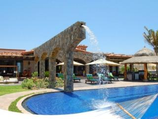Sensational 6 Bedroom Villa with Infinity Style Jacuzzi in Palmilla, San Jose Del Cabo