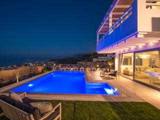 Villa Seaview with big private pool and seaview, Hersonissos