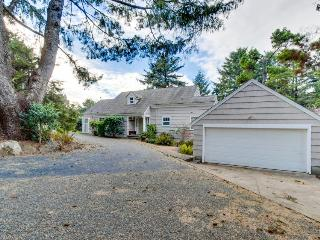 Classic Northwest Lincoln City beach home w/ private hot tub - built in 1938