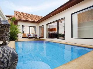3 bed pool villa 400m from beach, Jomtien Beach