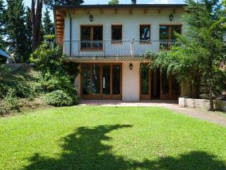 Splendida villa con piscina e giardino privato