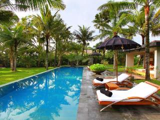 Valentine 5BR Luxury Villa by The Ocean Canggu