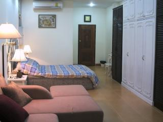Tiya's Place Studio Apartments/Jomtien (Pattaya), Jomtien Beach
