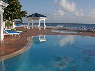 WITENBLAUW... Magical Beach Front Estate on Pelican Key, Simpson Bay