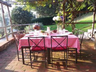 Villa Sole - a sun kissed place near Chianti wine production :)