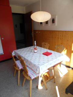 Diningtable in kitchen