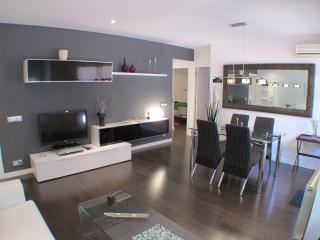 Precioso y moderno piso con terraza, Abrera
