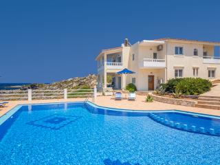 Villa Penelope with private pool, Stavros