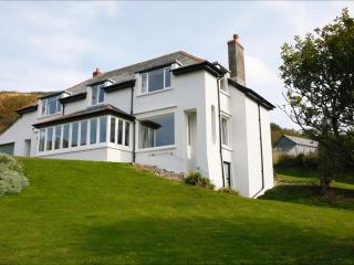 Dingley Dell Wonderful house with views to sea -