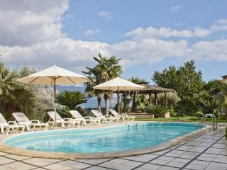 3 Bedroom villa, private pool, garden, wi-fi, view, Sorrente