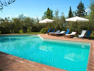 Villa Casa di Monte with 100% Private Swimming-pool in Chianti: catered on req.