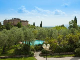 Villa Casa di Monte with 100% Private Swimming-pool in Chianti: catered on req.
