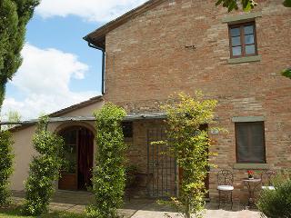Villa Casa di Monte with 100% Private Swimming-pool in Chianti: catering on req.