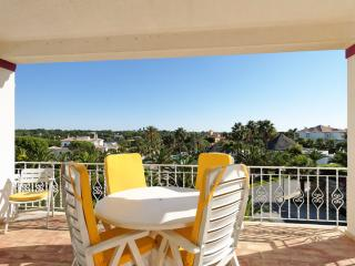 2 bedroom Apartment in Quinta do Lago, Faro, Portugal : ref 5480375
