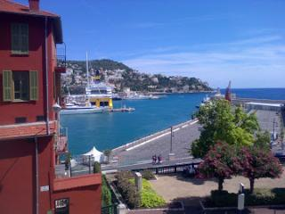 le Castelet - two bedrooms with a sea view in Nice