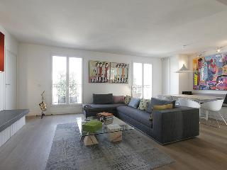 G04605 - Paris duplex apartment Rental 3 bedrooms