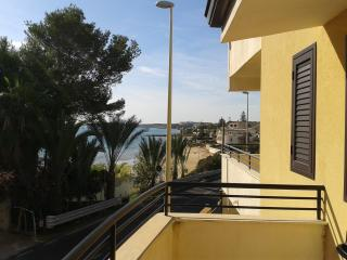 The White Rocks Holiday Town House in Lido di Noto