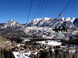 Ski Season Extended Till 4/30!!!     Luxury Corner Unit w/Indoor Pool, Spa, Durango
