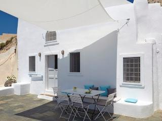 Blue Villas | Oia Cave|Private , with sunset view