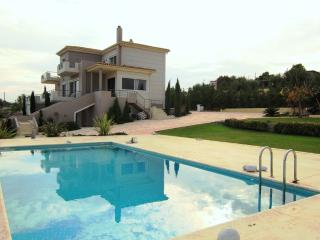 Luxurious villa Abelos close to Airport to the Center of Athens and to the beach