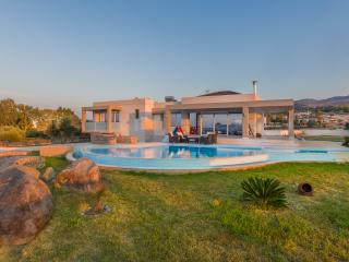 Villa Fotaki with Swimming pool