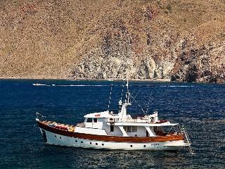 Motor Yacht IALU', Lipari