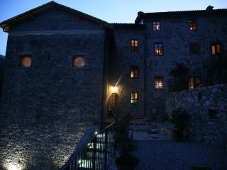 Magnificent Tuscan chateau in restored monestery