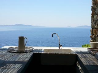 Villa Nascosta on the south coast of Naxos island, Ciudad de Naxos