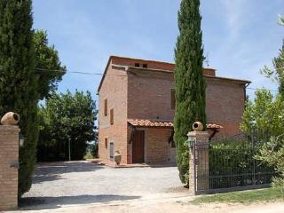 Casamerina: detached villa with private/fenced pool. 5 bedrooms.