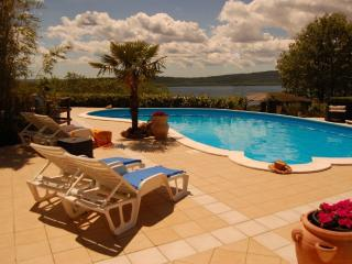 Cottage with garden, lakeview and pool near Rome, Viterbo