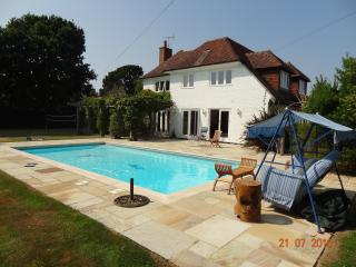 Luxury 4 Bedroom 4 Bathroom House in W. Sussex