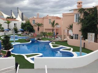 a nice modern central apartment near the beach, Playa de Fañabé