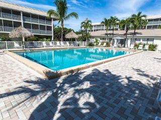 Breathtaking 2 BR/2 Ba, 77 Steps to Beach Unit 304, Dogs Welcome