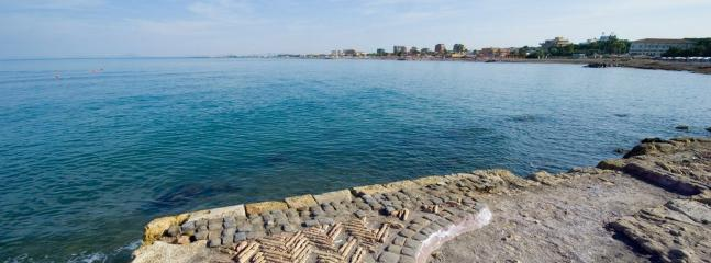 Etruscan Port 100 meters from apartment