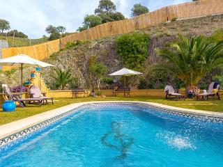 Luxury villa, pool,mini-golf, table tennis, boules, Carratraca