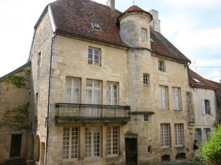 Maison seigneurial XVI secolo in Borgogna, Flavigny-sur-Ozerain