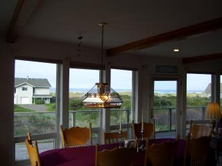 DINING ROOM VIEW WEST