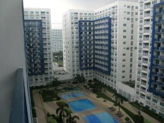 Mall of Asia Condo, Pasay, Manila. Fully furnished