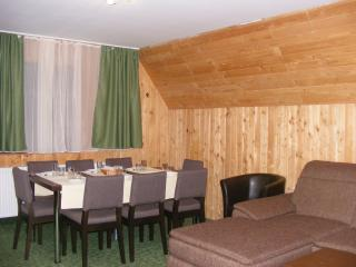 TraveLand Poiana Brasov - Three-Bedroom Apartment