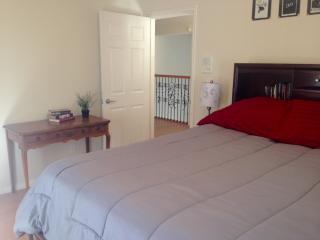 Los Angeles/Hollywood Charmer: Room w/ Private Entry Shared Home