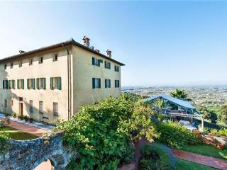 Villa in Camaiore, Tuscany, Italy, Monteggiori