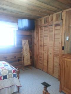 Twin bedroom TV. TV in all bedrooms.