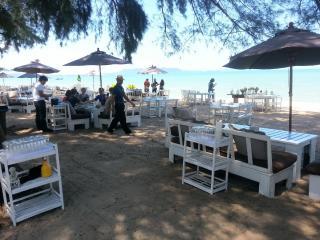 Jomtien Beach Deluxe Villa sleeps 10