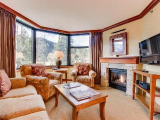 Ski-in / Ski-out plus shared hot tub, pool, and spa access!, Lake Tahoe (California)